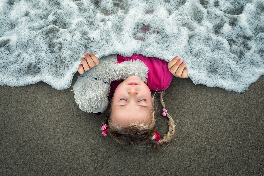 Dreaming of the ocean par John Wilhelm