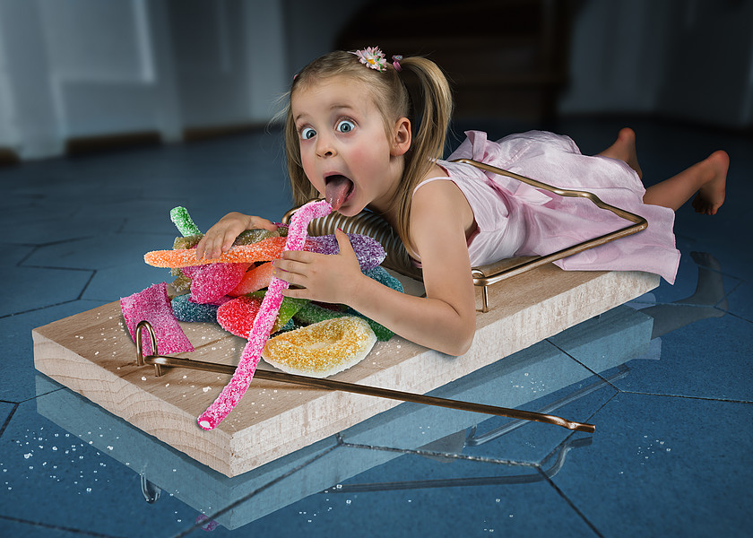 My 5 year old daughter Lou started to sneak into the kitchen to steal sweets from the cupboard… so we had to do something :)par John Wilhelm