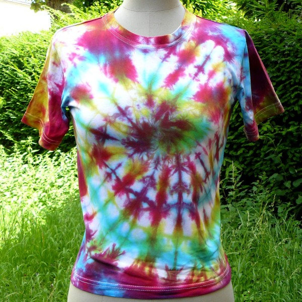 Teindre Un Canapé Tissus: Les Tee-shirts Tie And Dye, Une Activité Simple En Famille